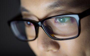 Beskyt dine øjne mod blåt lys fra skærme